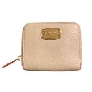 Michael Kors Wallet in like new condition!